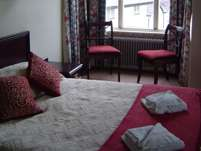 North Wales (Llangollen) Guest House bed